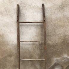 Antigüedades: ESCALERA DE PAJAR DE MADERA ANTIGUA. Lote 276572468
