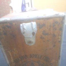 Antigüedades: AHUMADOR PARA ABEJAS LA MODERNA APICULTURA MADRID ABEJA MIEL COLMENA HUMO HUMIFICADOR.. Lote 276595583