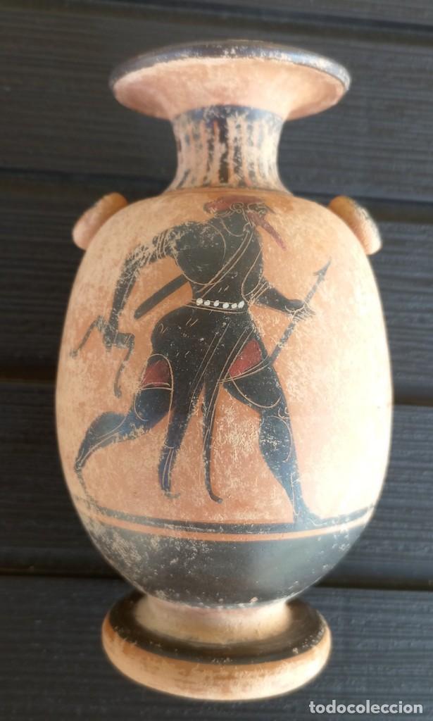 LÉCITO O LEKYTHOS DE FIGURAS NEGRAS ESTILO ÁTICO (REPRODUCCIÓN) (Antigüedades - Porcelanas y Cerámicas - Otras)