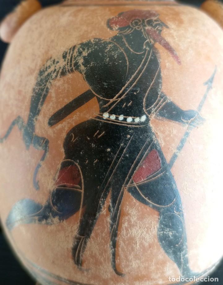 Antigüedades: LÉCITO O LEKYTHOS DE FIGURAS NEGRAS ESTILO ÁTICO (REPRODUCCIÓN) - Foto 3 - 276613223