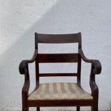 Antigüedades: ELEGANTE BUTACA FERNANDO VII CAOBA MADERA TAPIZADA HACIA 1820 S XIX 90X55X42CMS. Lote 276632298