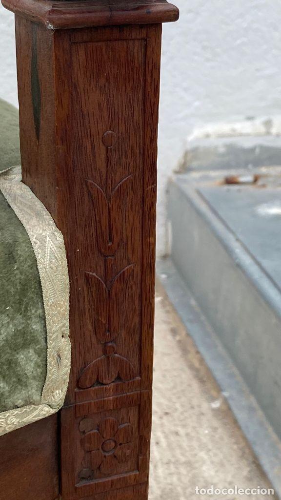 Antigüedades: BUTACA FRANCESA MADERA CAOBA RESTAURACION LUIS FELIPE PALMETAS TAPIZADA TERCIOPELO S XIX 91X57X47CMS - Foto 17 - 276633548