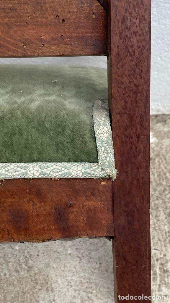 Antigüedades: BUTACA FRANCESA MADERA CAOBA RESTAURACION LUIS FELIPE PALMETAS TAPIZADA TERCIOPELO S XIX 91X57X47CMS - Foto 24 - 276633548