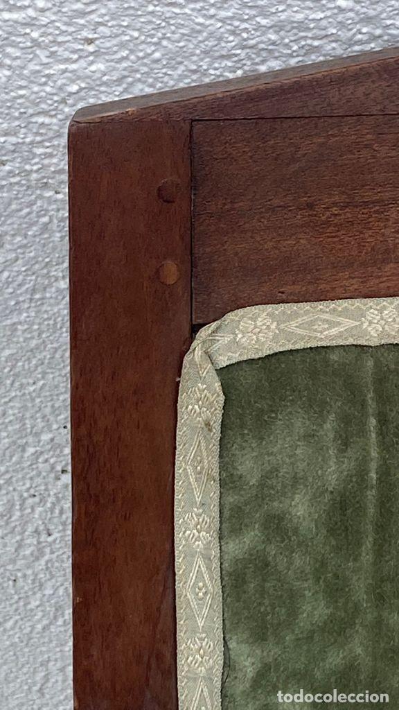 Antigüedades: BUTACA FRANCESA MADERA CAOBA RESTAURACION LUIS FELIPE PALMETAS TAPIZADA TERCIOPELO S XIX 91X57X47CMS - Foto 26 - 276633548