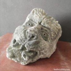 Antigüedades: GRAN MENSULA DE PIEDRA TALLADA CABEZA DE LEON CON CACHORRO VALL DI NOTO SICILIA 35 KG PESO. Lote 276670768