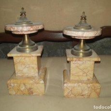 Antigüedades: PAREJA DE COPAS DECORATIVAS DE MÁRMOL Y BRONCE. Lote 276674668