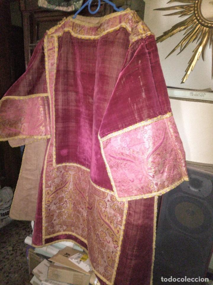 Antigüedades: ~~~~ ESPECTACULAR DALMÁTICA DEL XVIII EN TERCIOPELO Y BORDADOS, LIGEROS ROCES EN ALGUNA ZONA ~~~~ - Foto 4 - 276691363