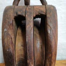 Antigüedades: POLEA ANTIGUA TODO DE MADERA. Lote 276696058