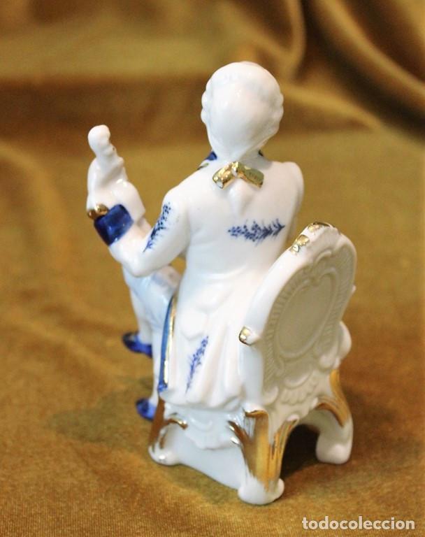 Antigüedades: Dúo clavicornio y violín, porcelana esmaltada, tres piezas - Foto 3 - 276704623