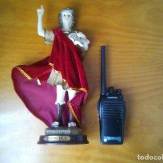 Antigüedades: FIGURA DE SAN PANCRACIO, SANTO DEL TRABAJO, NEGOCIOS Y SALUD. SU CAPA ES DE TELA.. Lote 276707363