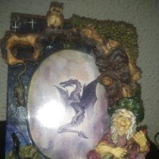 Antigüedades: MARCO DE FOTOS EFECTOS 3D, YESO. Lote 276730263