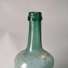 Antigüedades: ANTIGUA BOTELLA, CRISTAL VERDE SOPLADO CATALAN.. Lote 276801988