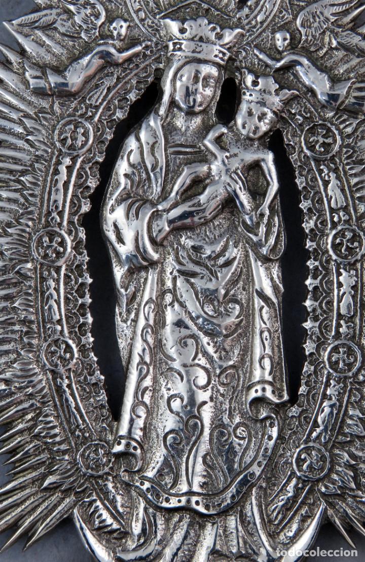 Antigüedades: Benditera de plata Nuestra Señora de la Almudena principios del siglo XX - Foto 3 - 276804238