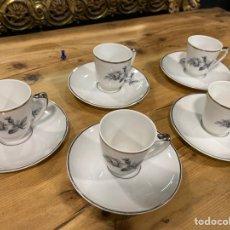 Oggetti Antichi: LOTE DE 5 TAZITAS CON SUS PLATOS CAFÉ. Lote 276935843