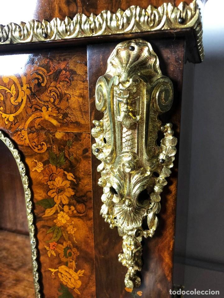 Antigüedades: Vitrina Luis XVI en Raiz y Pluma de Nogal Siglo XVIII - Foto 11 - 276936563