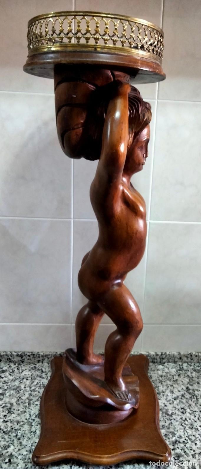 Antigüedades: Gran Peana para Planta de Interior. Figura de Niño Tallado en Caoba y Bandeja con Perfil de Bronce - Foto 6 - 276937178