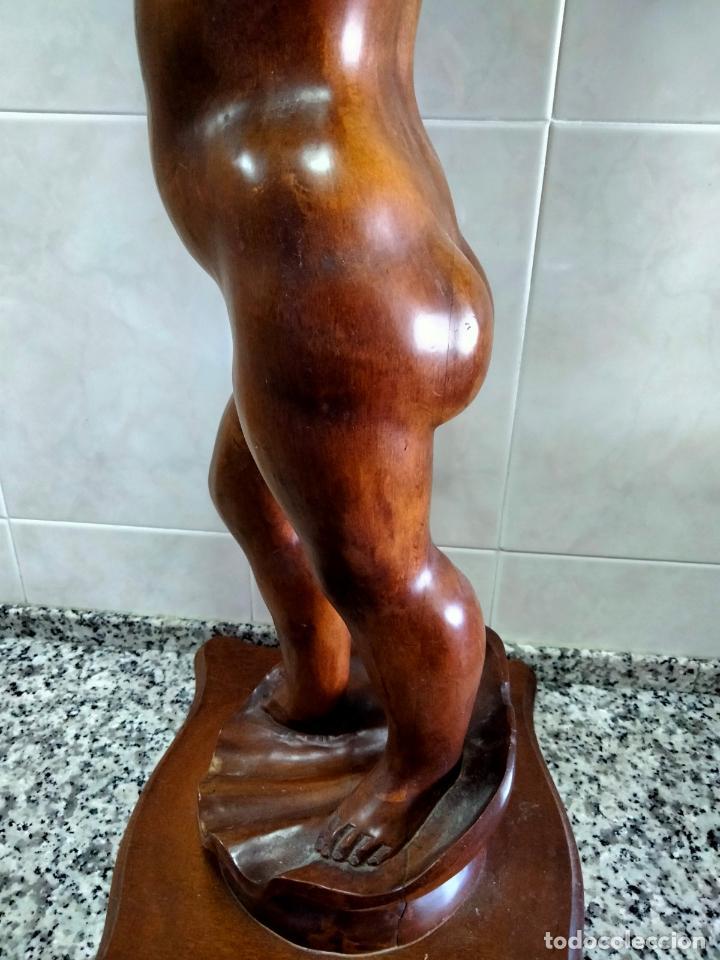 Antigüedades: Gran Peana para Planta de Interior. Figura de Niño Tallado en Caoba y Bandeja con Perfil de Bronce - Foto 14 - 276937178