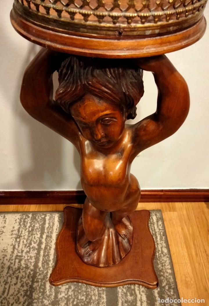 Antigüedades: Gran Peana para Planta de Interior. Figura de Niño Tallado en Caoba y Bandeja con Perfil de Bronce - Foto 26 - 276937178
