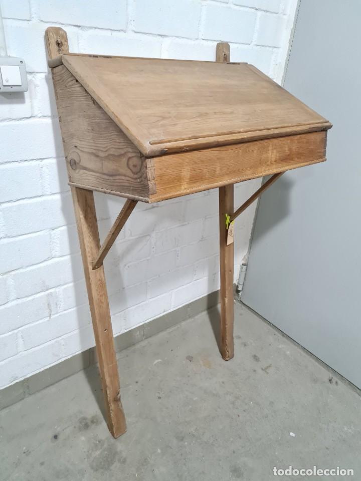Antigüedades: Antiguo escritorio de pie - Foto 2 - 276940633