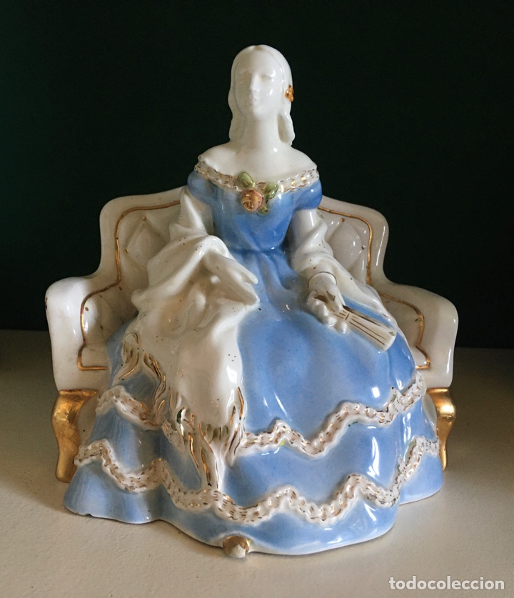 DAMA DE ÉPOCA AL ESTILO SXIX PORCELANA (AÑOS 40) (Antigüedades - Porcelanas y Cerámicas - Otras)