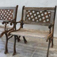 Antigüedades: PAREJA SILLONES DE JARDIN DE HIERRO FUNDIDO Y MADERA. Lote 276984298