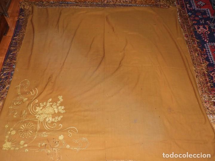 Antigüedades: MANTON DE LANA CON BORDADOS EN UNA ESQUINA - Foto 8 - 276990218