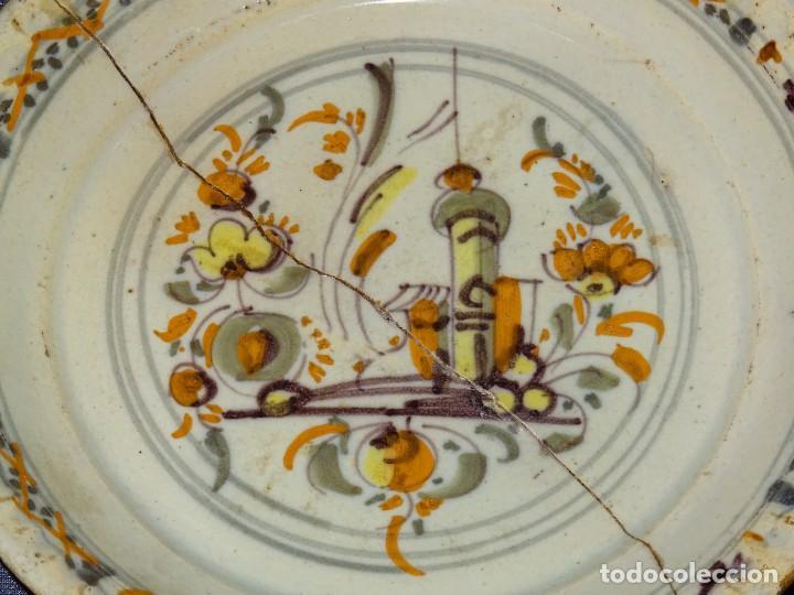 Antigüedades: (M) ANTIGUO PLATO DE TRIANA ( SEVILLA ) S.XVIII POLICROMADO PARTIDO EN DOS TROZOS LAÑADO DE EPOCA - Foto 2 - 277004258