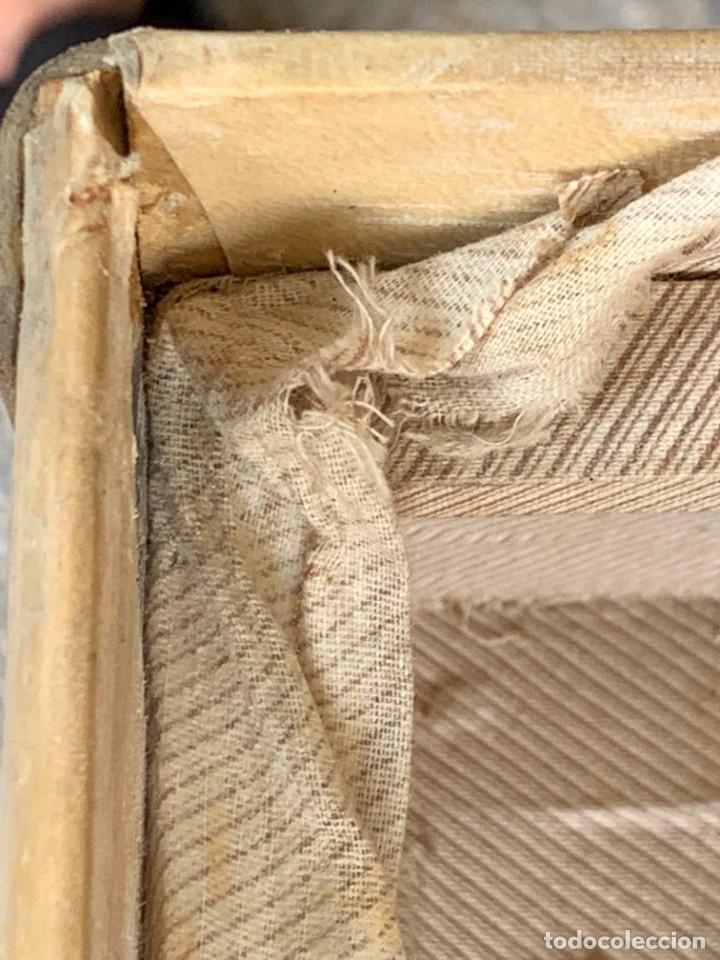 Antigüedades: MALETA FICHET FRANCIA CIERRES BRONCE CUBIERTA PERGAMINO REFUERZOS QUIZAS PARA AUTO AÑOS 20 18X79X42C - Foto 9 - 277043008