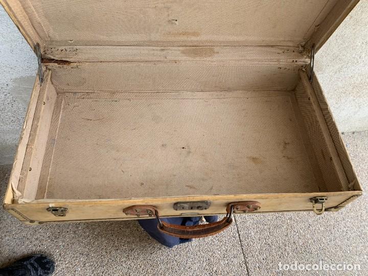 Antigüedades: MALETA FICHET FRANCIA CIERRES BRONCE CUBIERTA PERGAMINO REFUERZOS QUIZAS PARA AUTO AÑOS 20 18X79X42C - Foto 5 - 277043008