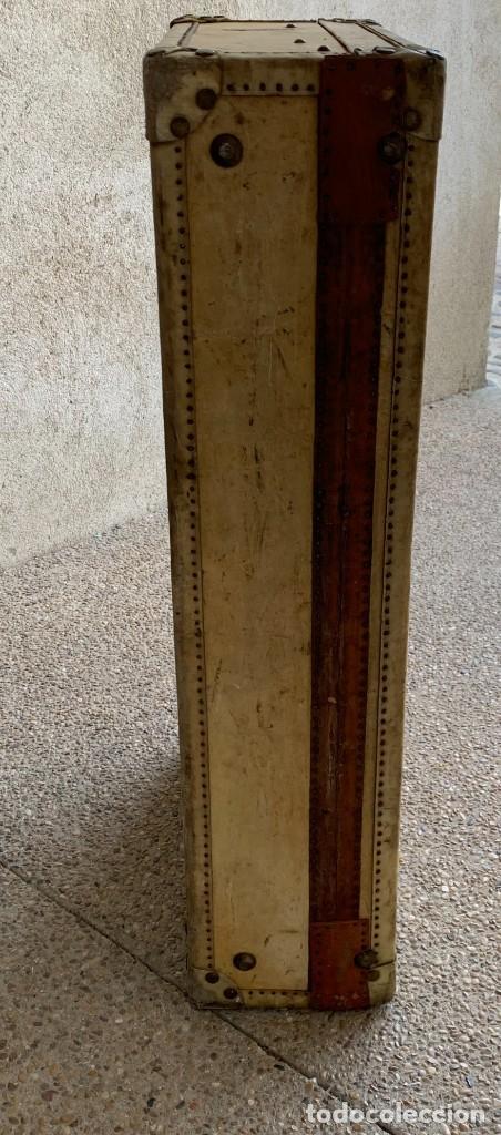 Antigüedades: MALETA FICHET FRANCIA CIERRES BRONCE CUBIERTA PERGAMINO REFUERZOS QUIZAS PARA AUTO AÑOS 20 18X79X42C - Foto 22 - 277043008