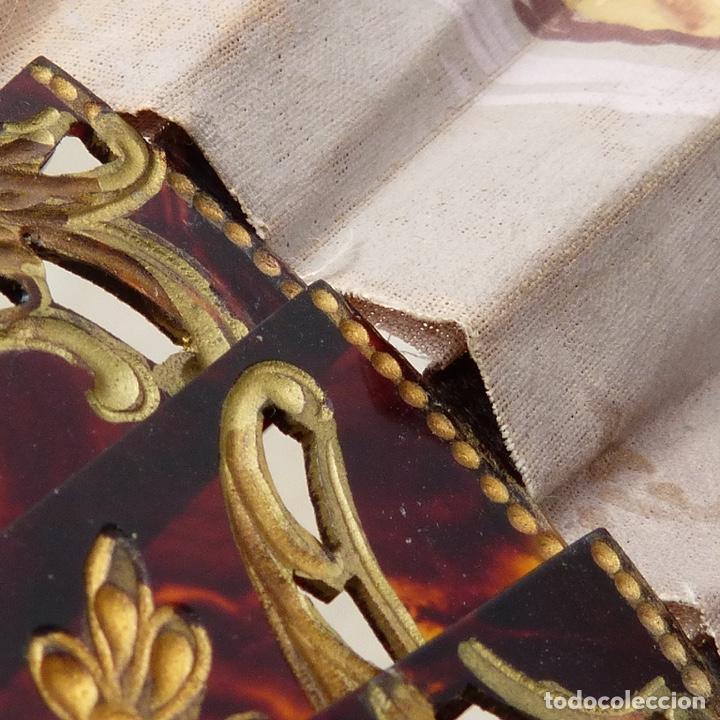 Antigüedades: antiguo abanico de celuloide, simil carey, pintado a mano, escena costumbrista, - Foto 13 - 277048298