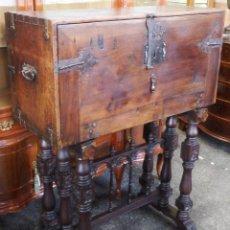 Antigüedades: BARGUEÑO NOGAL ESTILO SALMANTINO. Lote 277074393