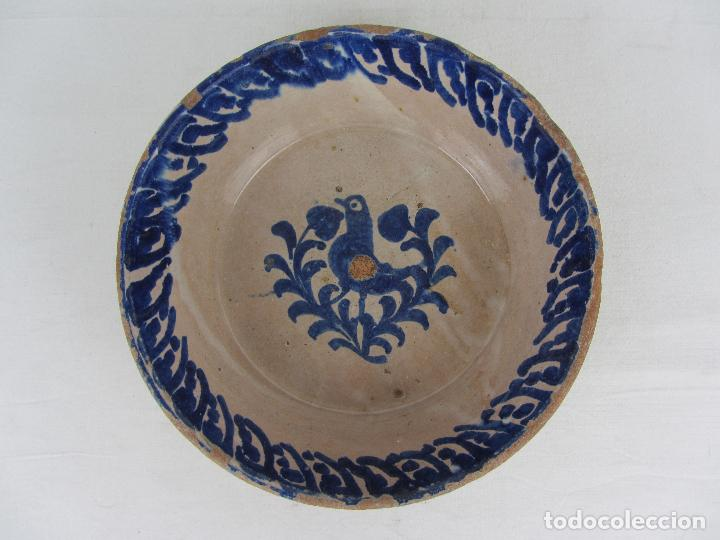 FUENTE DE FAJALAUZA CON PÁJARO, DEL SIGLO XIX (Antigüedades - Porcelanas y Cerámicas - Fajalauza)