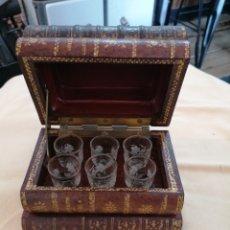 Antigüedades: LIBRO CON SECRETO ANTIGUO ORIGINAL. Lote 277118063