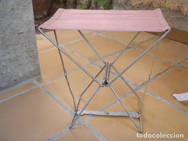 Antigüedades: SILLA DE PESCADOR PLEGABLE DE HIERRO Y LONETA DE MITAD DEL SIGLO XX - Foto 6 - 277182188
