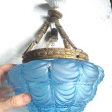 Antiguidades: LAMPARA MODERNISTA TULIPA AZUL DECORADA CON PORTATULIPAS DE TORNILLOS DE LATON CON 3 TIRAS.FUNCIONA. Lote 277248513