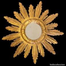 Antigüedades: ANTIGUO ESPEJO SOL DE MADERA TALLADA Y DORADA, 45 X 45. Lote 277273748