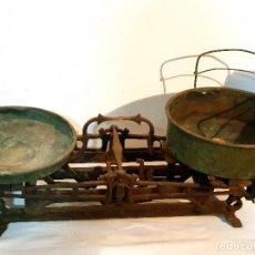 Antigüedades: IMPRESIONANTE BÁSCULA ANTIGUA DE HIERRO 73CM. Lote 277299328