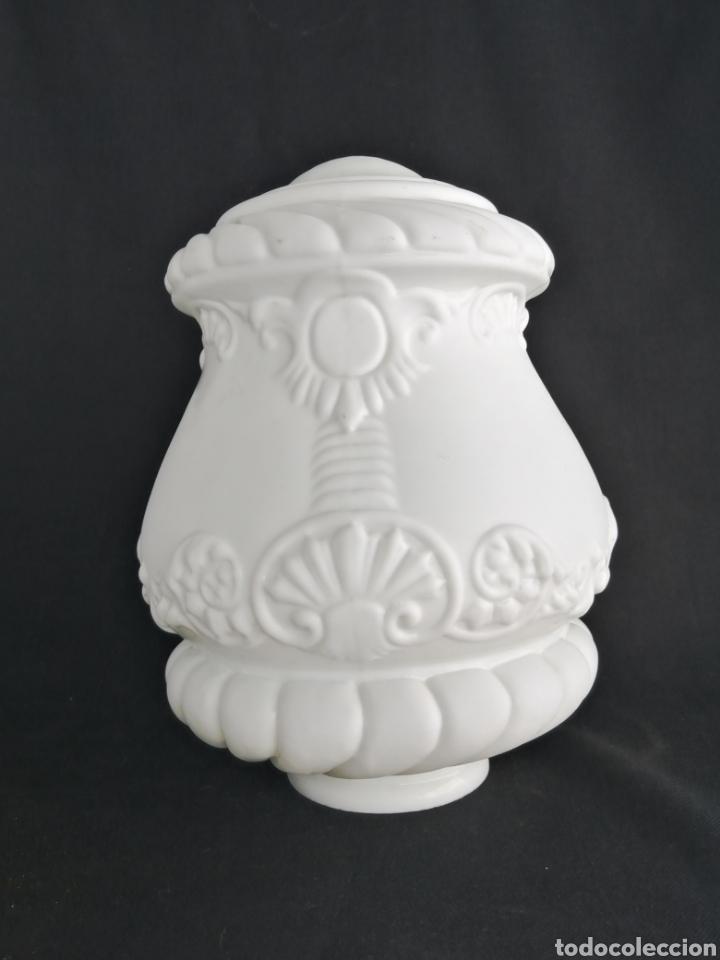Antigüedades: Gran tulipa en opalina antigua para lámpara art deco - Foto 10 - 277300878