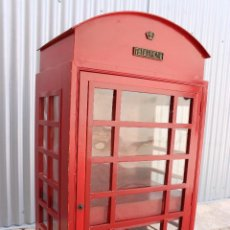 Antigüedades: BOTELLERO CABINA TELEFONICA INGLESA ROJA. Lote 277424348