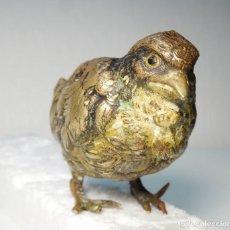 Antigüedades: BRONCE VIENÉS AUSTRIA VIENNA BRONZE BIRD GESCHUTZT. Lote 277434478