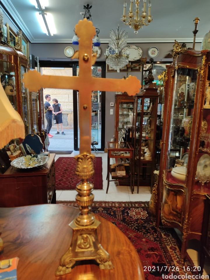 Antigüedades: Crucifijo de altar de bronce siglo XIX - Foto 4 - 206433147