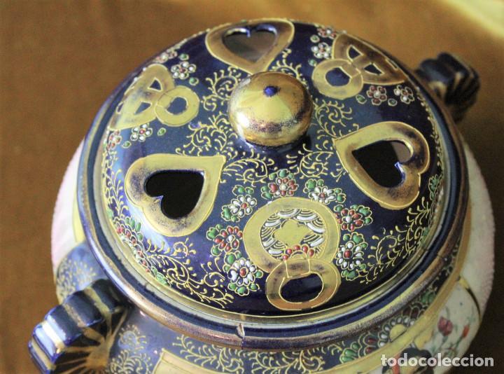 Antigüedades: Antiguo tibor o incensario de porcelana japonesa. Sello acreditativo. - Foto 2 - 277520008