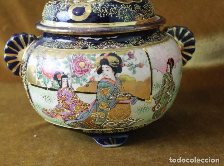 Antigüedades: Antiguo tibor o incensario de porcelana japonesa. Sello acreditativo. - Foto 3 - 277520008