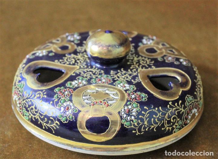 Antigüedades: Antiguo tibor o incensario de porcelana japonesa. Sello acreditativo. - Foto 7 - 277520008