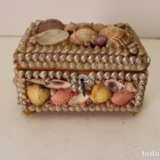 Antigüedades: CAJA JOYERO CON CONCHAS DE MAR. Lote 277556998