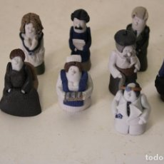 Antigüedades: 8 FIGURINES MINIATURA DE PORCELANA BISCUIT. Lote 277561163