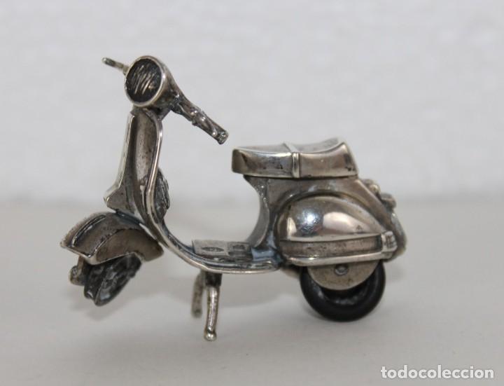 Antigüedades: 3 miniaturas en plata. Moto vespa, avioneta y piano. Mediados siglo XX - Foto 3 - 277565813