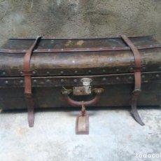 Antigüedades: PRECIOSA MALETA ANTIGUA - EN CUERO Y MADERA - PERFECTA PARA DECORACIÓN. Lote 277566253