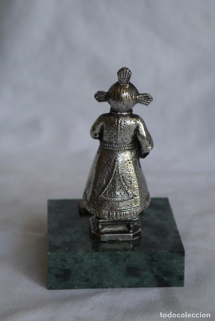 Antigüedades: Figura en plomo bañado Santo niño del Remedio sobre peana de piedra - Foto 5 - 277625048